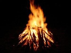 camp-fire-300x225
