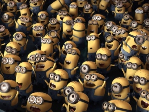Cartoons_Minions_a_huge_crowd_051623_29